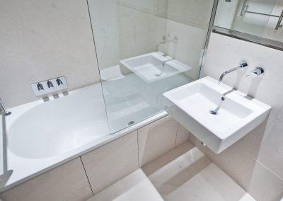 Bathroom & Shower - NR2